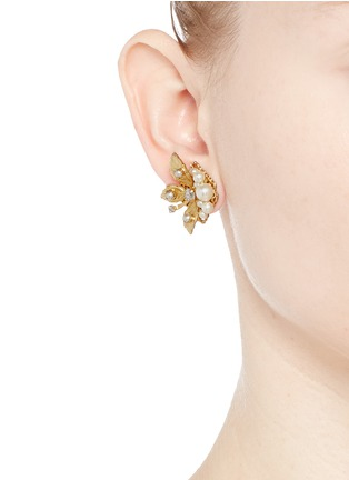 Figure View - Click To Enlarge - Miriam Haskell - Crystal glass pearl three leaf stud earrings