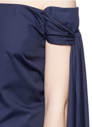 Detail View - Click To Enlarge - Rosie Assoulin - 'Helicopter' long sash off-shoulder cotton poplin top