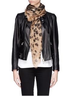 ALEXANDER MCQUEENBig skull leopard print cashmere-silk scarf