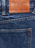 Taper leg jeans