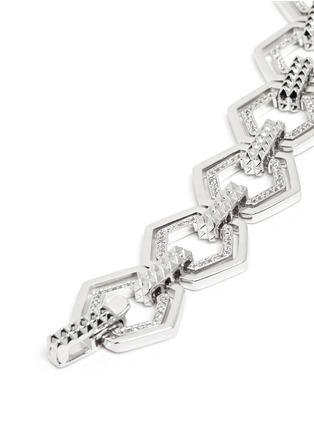 Detail View - Click To Enlarge - Eddie Borgo - Crystal pavé hexagon lattice bracelet