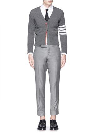 模特儿示范图 - 点击放大 - THOM BROWNE - 条纹羊绒针织外套