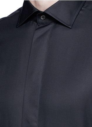 Detail View - Click To Enlarge - Armani Collezioni - Slim fit cotton-silk tuxedo shirt