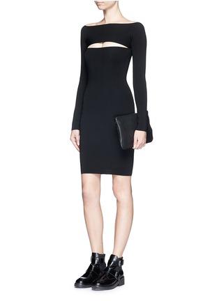 模特儿示范图 - 点击放大 - T BY ALEXANDER WANG - 挖空设计一字领连衣裙