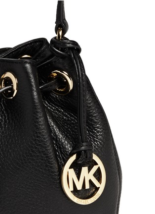 Detail View - Click To Enlarge - Michael Kors - 'Jules' leather crossbody bucket bag