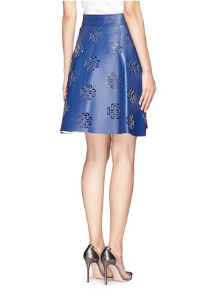 背面 - 点击放大 - ALEXANDER MCQUEEN - Floral laser cutout leather wrap skirt
