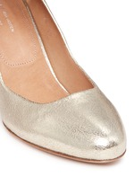 Chunky heel metallic leather pumps