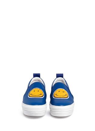 模特儿示范图 - 点击放大 - JOSHUA SANDERS - 笑脸徽章真皮厚底便鞋