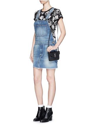 模特儿示范图 - 点击放大 - SAINT LAURENT - 品牌标志真皮单肩包