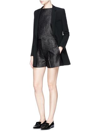 模特儿示范图 - 点击放大 - ALICE + OLIVIA - 金属条纹褶裥高腰短裤