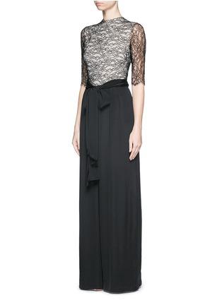 模特儿示范图 - 点击放大 - ALICE + OLIVIA - 蕾丝拼贴小立领连体裤