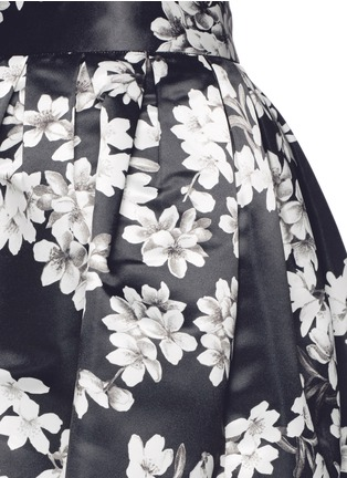 Detail View - Click To Enlarge - alice + olivia - 'Fizer' floral print satin flare mini skirt