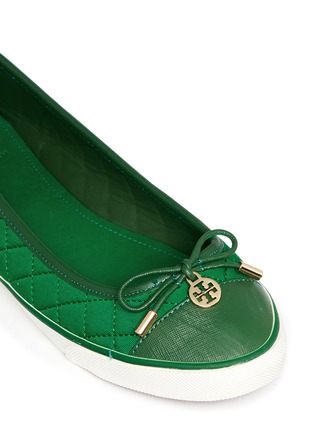 Detail View - Click To Enlarge - Tory Burch - 'Caruso' quilted bow trim flats