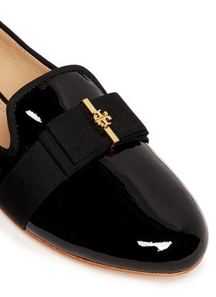 Detail View - Click To Enlarge - Tory Burch - 'Trudy' logo bow patent leather ballerina flats
