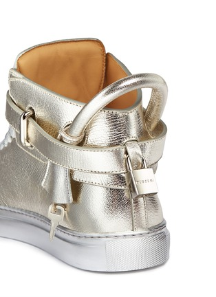Detail View - Click To Enlarge - Buscemi Shoes - '100MM' twist lock strap leather mid top sneakers