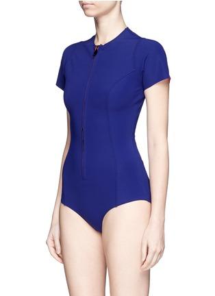 模特儿示范图 - 点击放大 - LISA MARIE FERNANDEZ - The Farrah单色连体泳衣