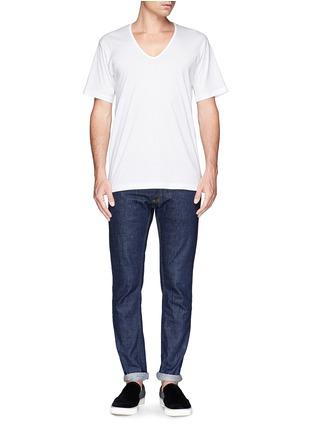 模特儿示范图 - 点击放大 - SUNSPEL - 纯棉V领T恤