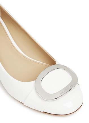 Detail View - Click To Enlarge - Michael Kors - 'Pauline' logo plaque patent leather pumps
