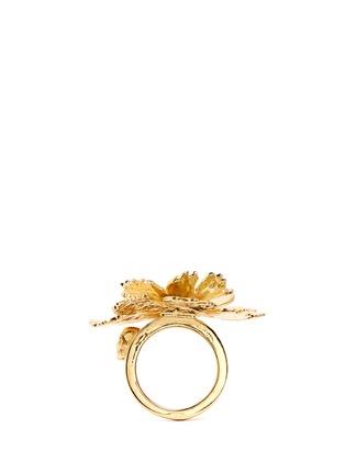 模特儿示范图 - 点击放大 - ALEXANDER MCQUEEN - 莲花造型金属戒指
