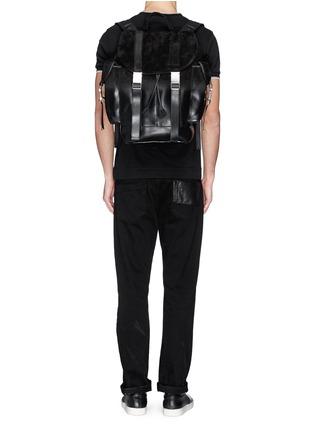 模特儿示范图 - 点击放大 - NEIL BARRETT - 'Port Louis' dégradé leather backpack