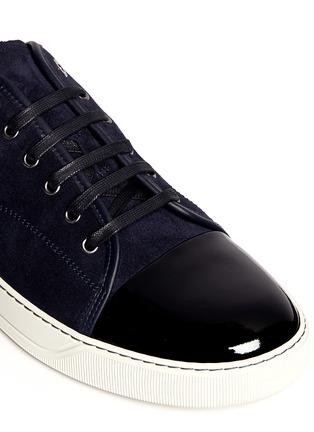 细节 - 点击放大 - LANVIN - 漆皮鞋头麂皮球鞋