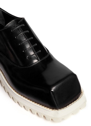 Detail View - Click To Enlarge - Acne Studios - Quad Contrast' square toe leather Oxfords