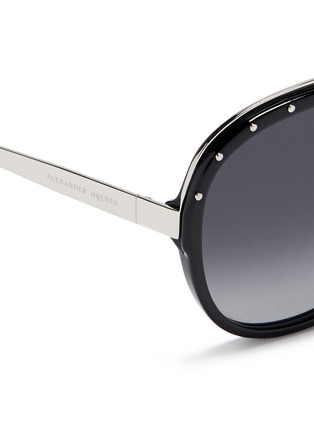Detail View - Click To Enlarge - Alexander McQueen - Metal temple stud aviator sunglasses