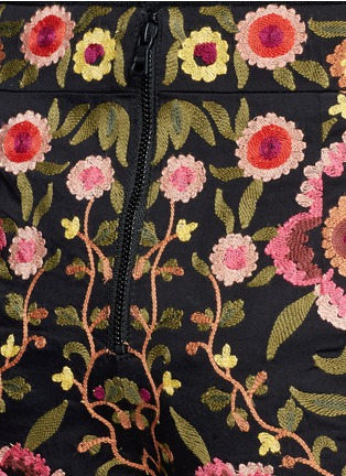 Detail View - Click To Enlarge - alice + olivia - 'Marisa' floral embroidery shorts