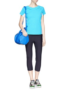 HU-NU Two-way collar T-shirt