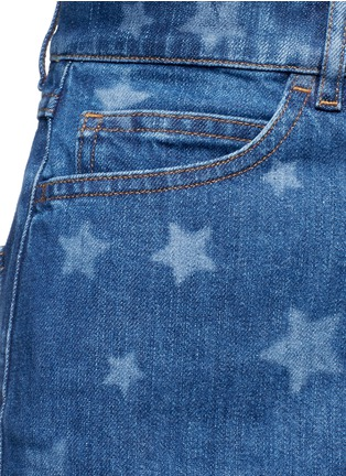 Detail View - Click To Enlarge - Valentino - Star print denim shorts