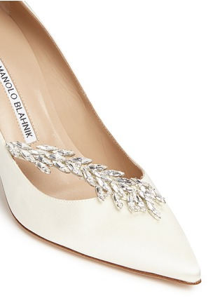 Detail View - Click To Enlarge - Manolo Blahnik - 'Nadira' crystal jewel satin pumps