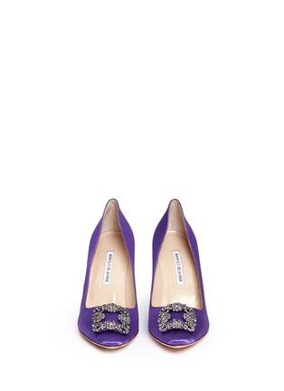 Front View - Click To Enlarge - Manolo Blahnik - 'Hangisi' crystal brooch satin pumps