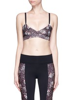 'V-bra' floral print cropped sports top