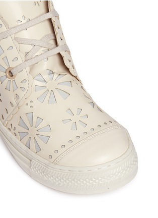 Detail View - Click To Enlarge - Stella Mccartney Kids - Floral reverse appliqué high top kids sneakers