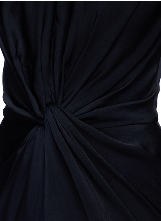 Detail View - Click To Enlarge - Alexander McQueen - Knot detail drape cady gown