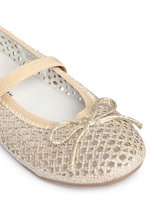 Detail View - Click To Enlarge - Stuart Weitzman - 'Fannie Cutout Straps' bow glitter kids ballerinas