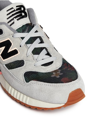 Detail View - Click To Enlarge - New Balance - '530 Floral Ink' print mesh suede sneakers