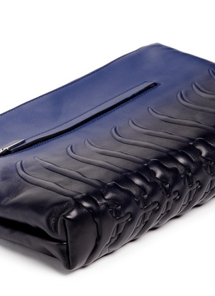 Detail View - Click To Enlarge - Alexander McQueen - Spinal cord gradient leather zip pouch
