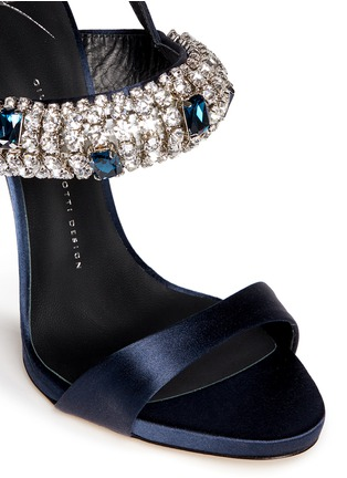 Detail View - Click To Enlarge - Giuseppe Zanotti Design - 'Coline' rhinestone band satin sandals