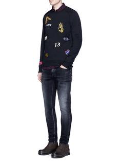 Scotch & SodaIcon patch raglan sleeve sweatshirt