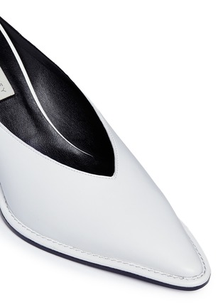Detail View - Click To Enlarge - Stella McCartney - V-throat faux leather mules