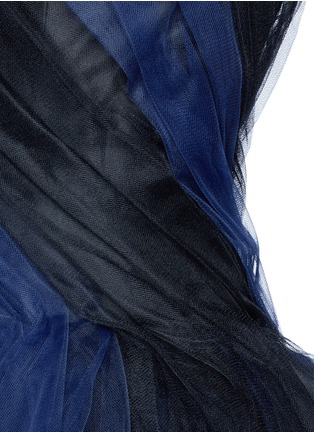 Detail View - Click To Enlarge - Oscar de la Renta - Layered twist tulle strapless dress