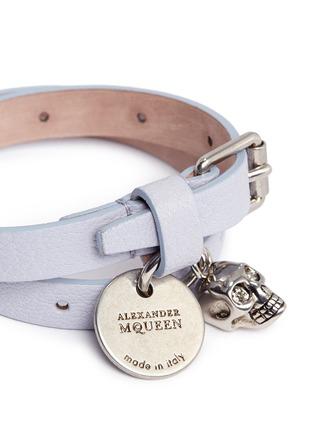 细节 - 点击放大 - ALEXANDER MCQUEEN - 立体骷髅头吊饰真皮手带