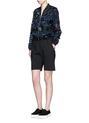 模特儿示范图 - 点击放大 - MARKUS LUPFER - 仿水晶刺绣真丝薄纱外套
