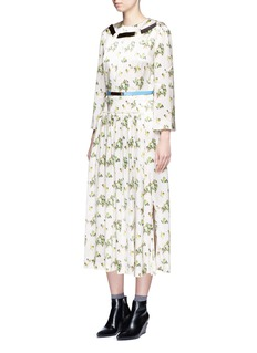 TOGA ARCHIVES Floral print satin belted midi dress