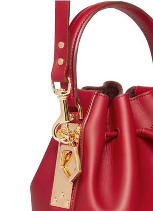 Detail View - Click To Enlarge - Sophie Hulme - Small leather drawstring bucket bag