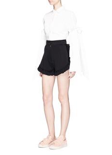 Shushu/TongRuffle trim stretch twill shorts