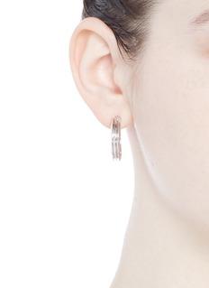 Eddie Borgo'Trace' ribbed hoop earrings