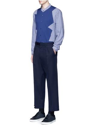 模特儿示范图 - 点击放大 - CHRISTOPHER KANE - 拼接设计混棉衬衫