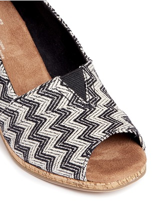 Detail View - Click To Enlarge -  - 'Classic' chevron cork wedge sandals